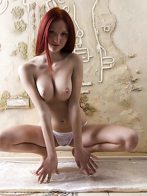 Showy Beauty  Red Fox  Red Heads, Boobs, Breasts, Tits, Beautiful, Amazing, Striptease