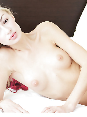 Errotica-Archives  Jill  Pussy, Blowjob, Blondes, Blue eyes, Boobs, Breasts, Tits, Erotic, Softcore, Licking, Seduce
